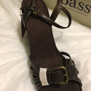 BASS leather wedge sandal